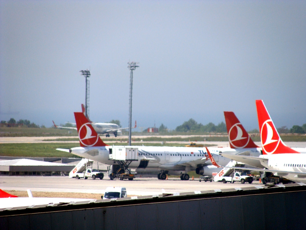 Turkish Airlins planes at Istanbul Attaturk Airport